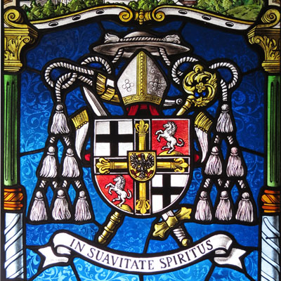 STAINED GLASS WITH VEDUTA AND COAT OF ARMS OF THE GRAND MASTER OF THE TEUTONIC ORDER, CHAPLAN BRUNO PLATTER, DIMENSIONS 70x40 cm,  2008