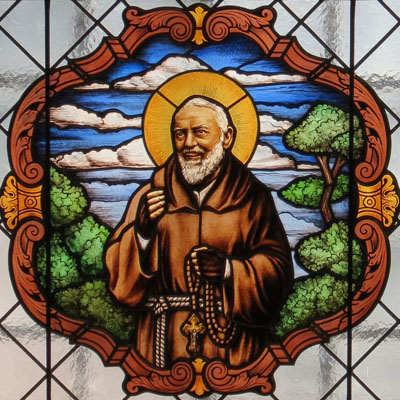 "FIGURE STAINED GLASS ""PADRE PIO"""
