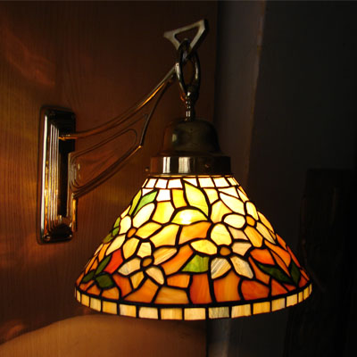 NÁSTĚNNÁ TIFFANY LAMPA, REALIZACE 2013